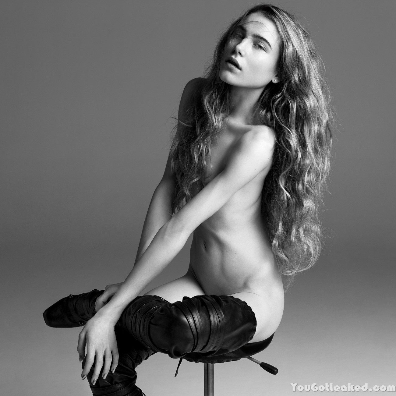 Dree Hemingway Topless Ph...