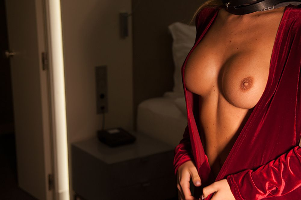 Nude Pics Of Ekaterina Zu...