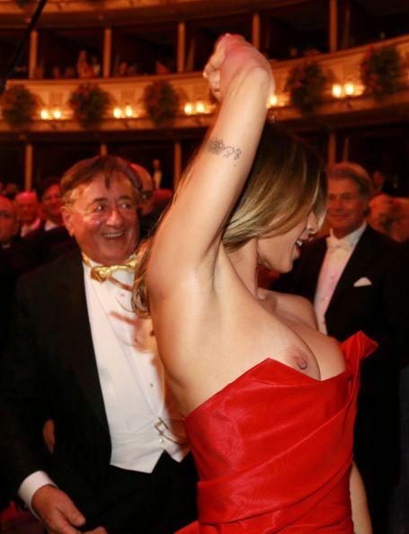 Elisabetta Canalis Nip Sl...