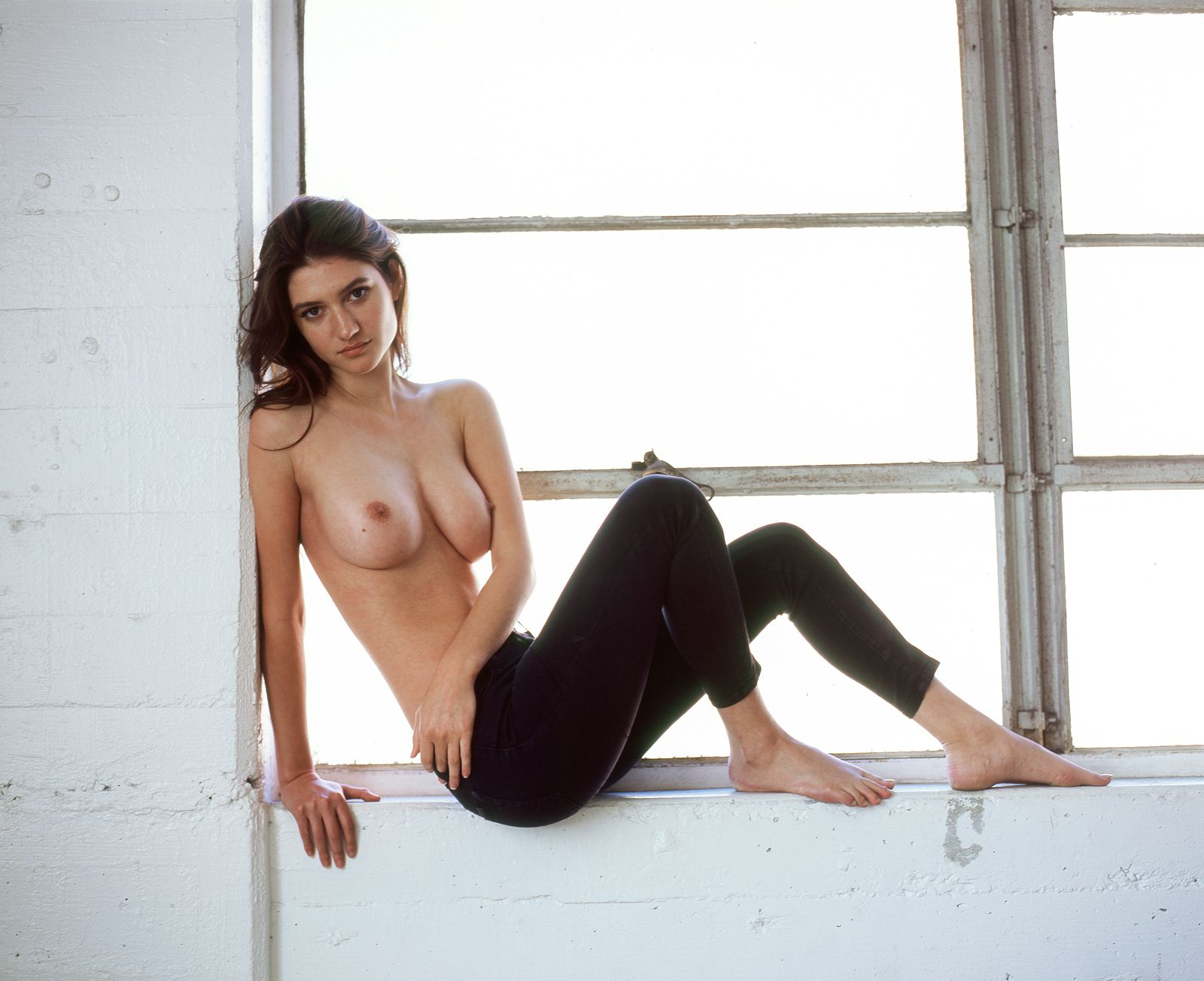 Elizabeth Elam Topless Ph...