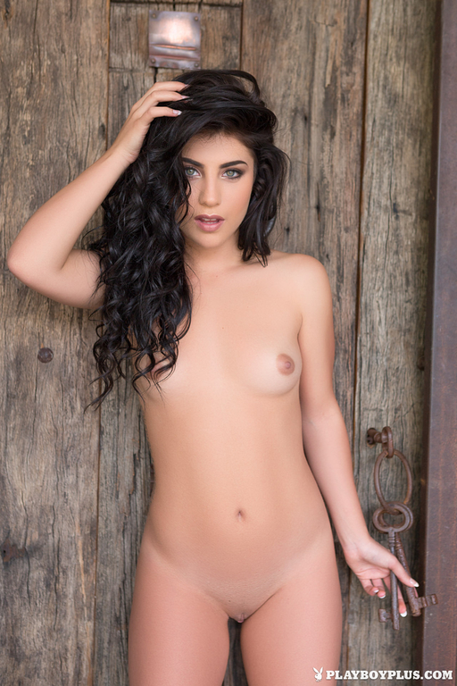 Elle Georgia Nude Photos