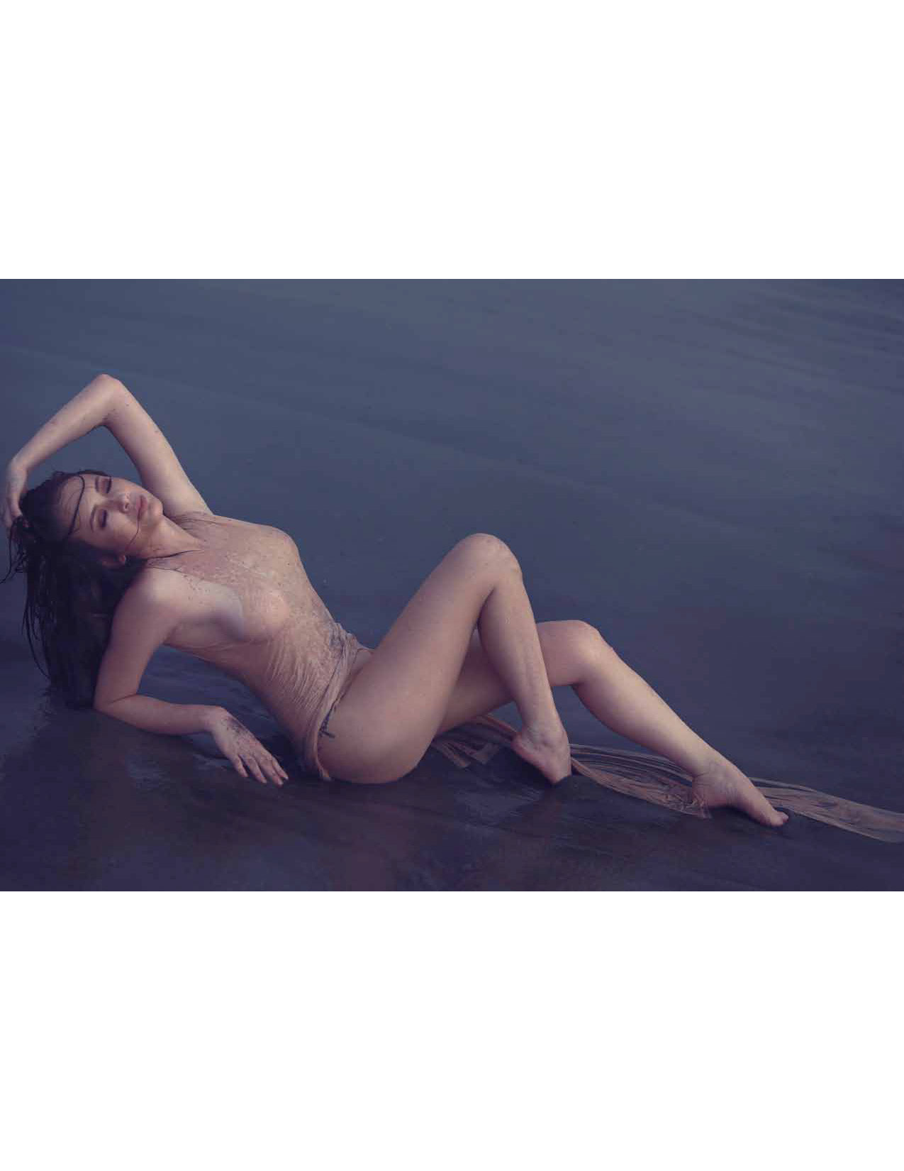 Ellen Adarna Nude Photos