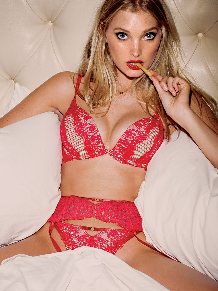 Sexy Lingerie Photos Of E...