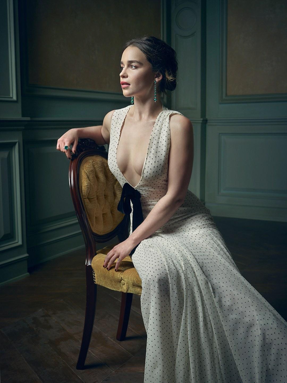 Sexy Pic Of Emilia Clarke