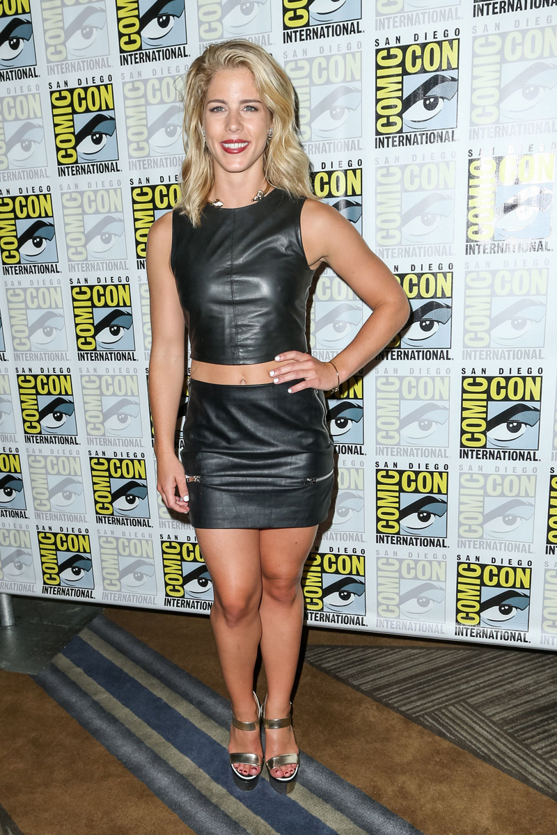 Emily Bett Rickards Pokie...