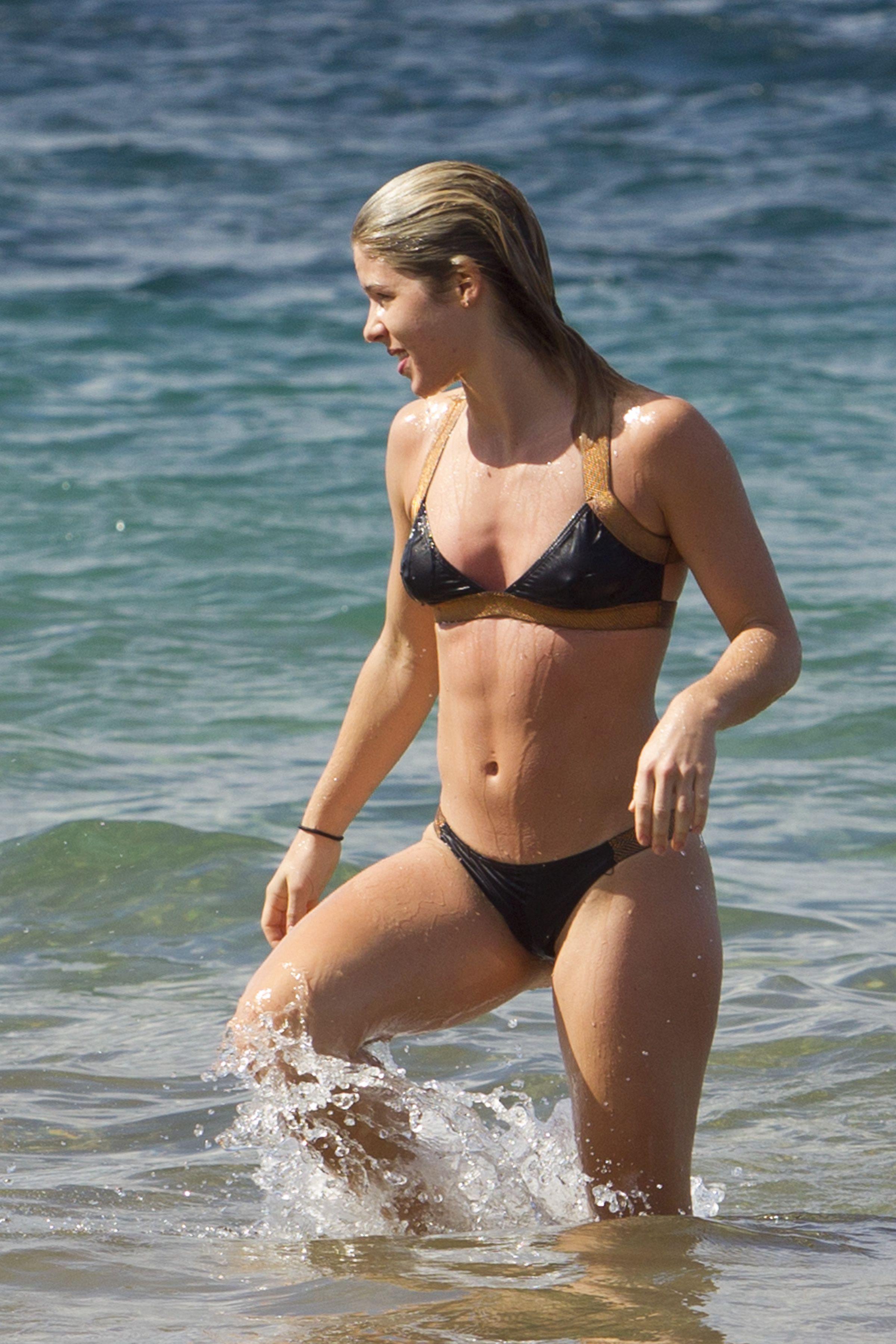 Bikini Pics Of Emily Bett...