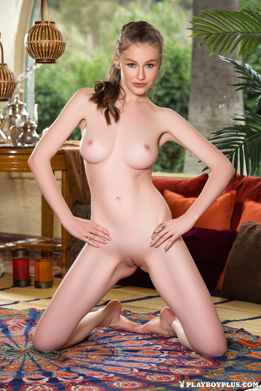 Emily Bloom Naked Photos