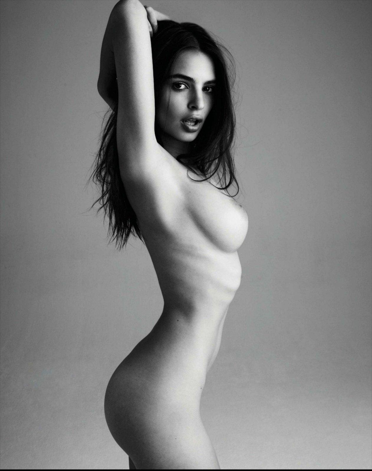 Nude Pics Of Emily Ratajk...
