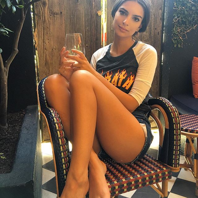 Sexy Photos Of Emily Rata...