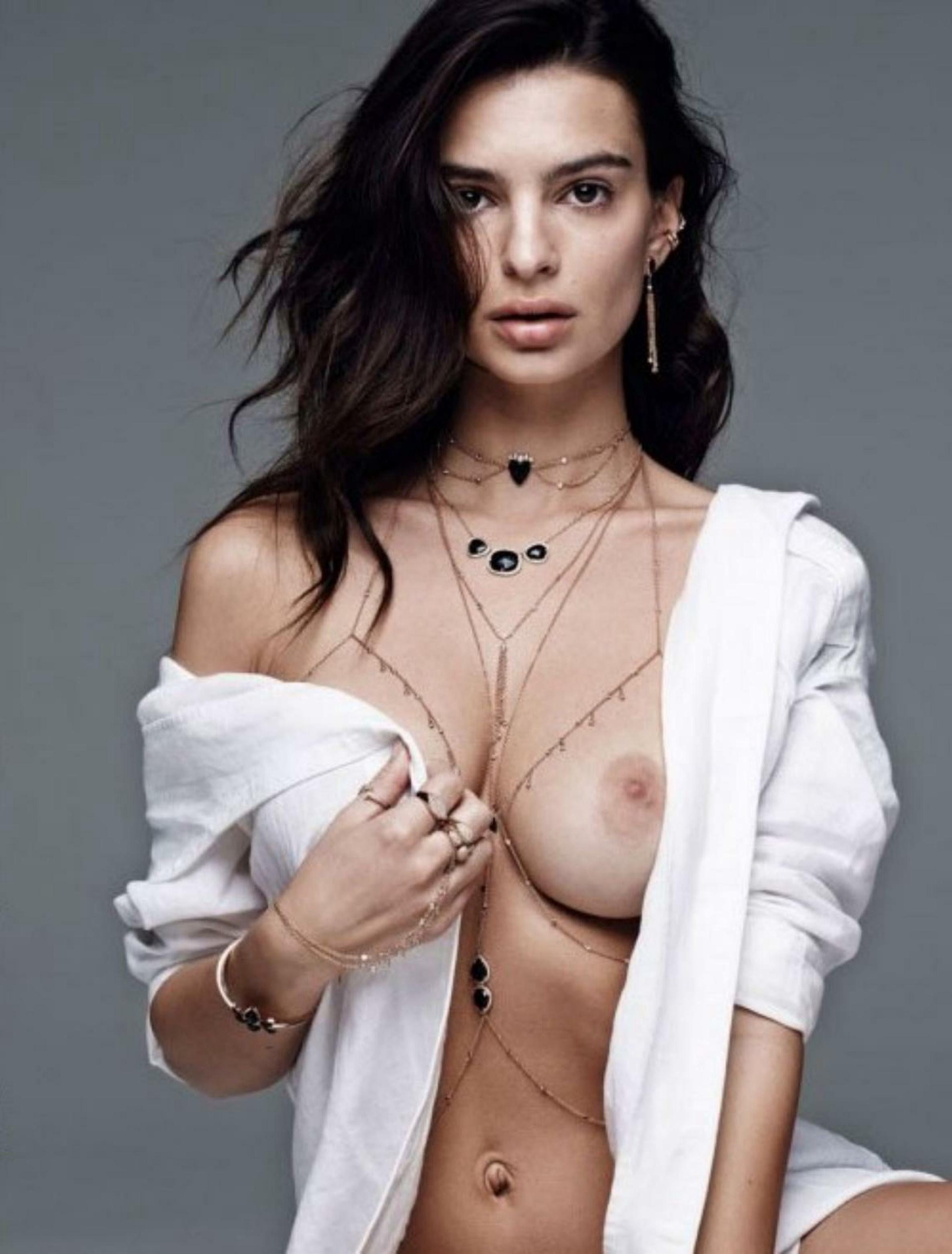 Topless Photos Of Emily R...
