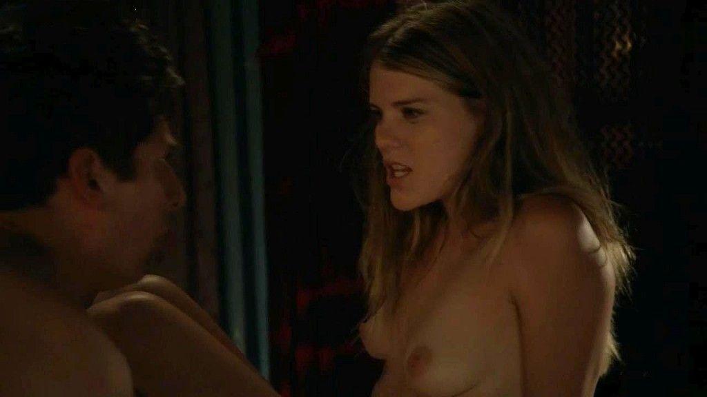 Emma Greenwell Nude