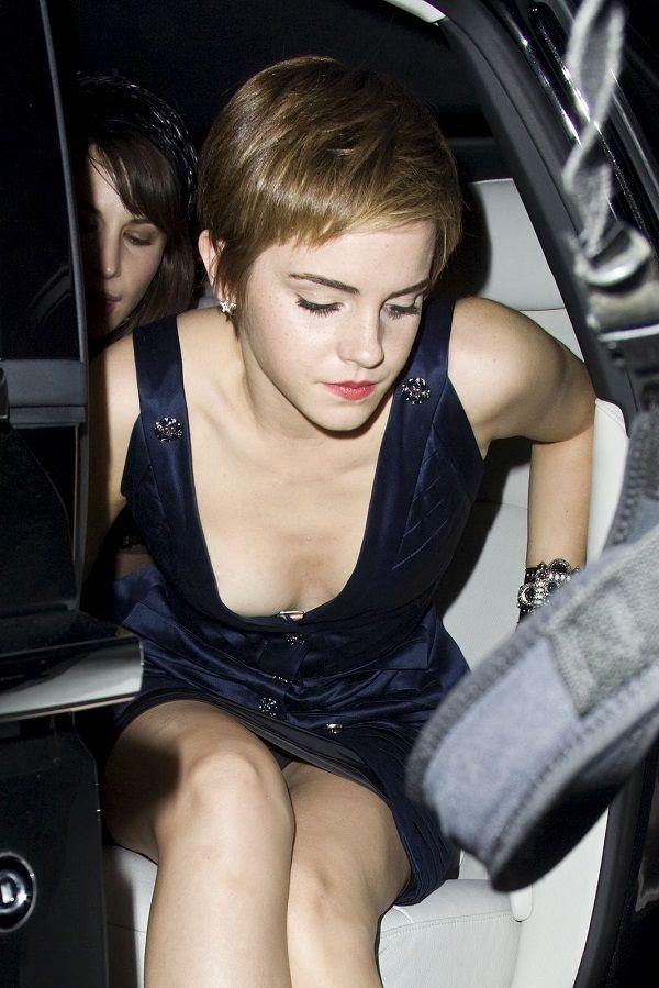 Emma Watson Tit Flash Com...