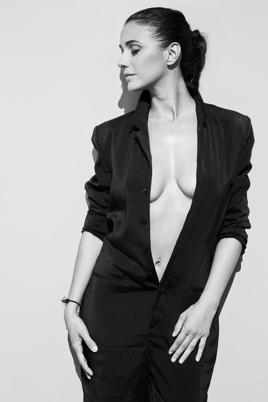 Emmanuelle Chriqui Brales...