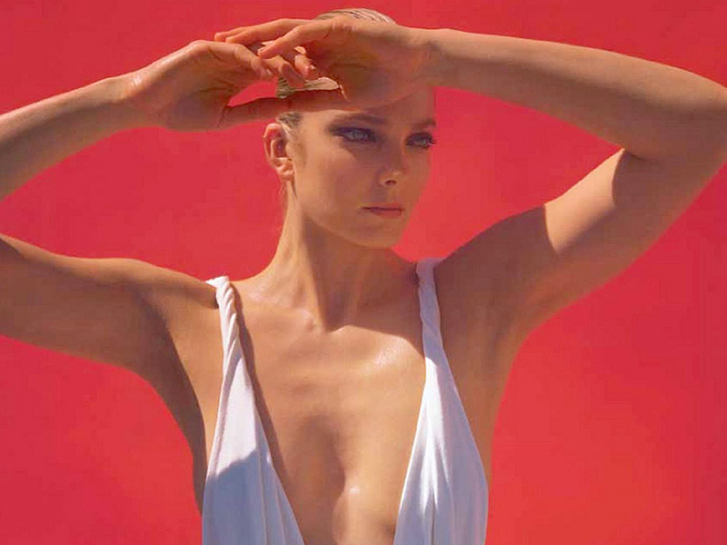 Eniko Mihalik Sexy Photos...