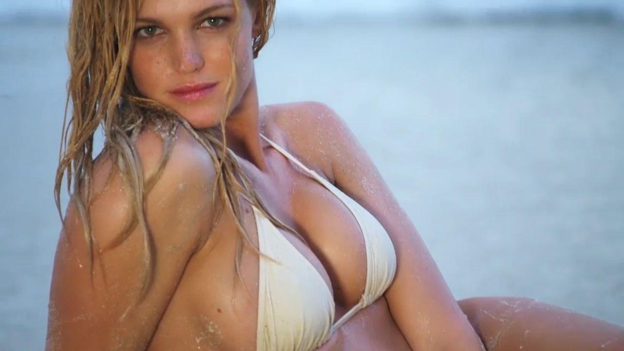 Erin Heatherton Sexy Biki...