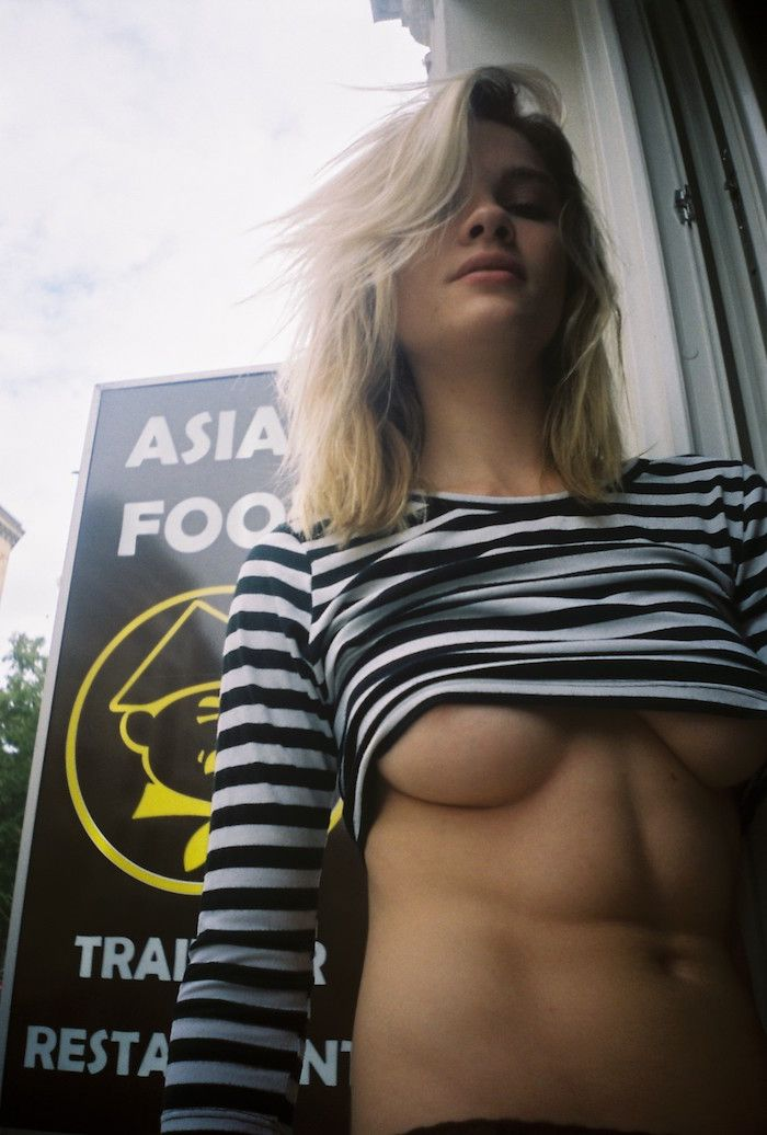 Eva Biechy Topless Photos