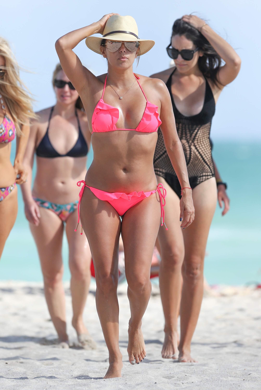 Bikini Pics Of Eva Longor...