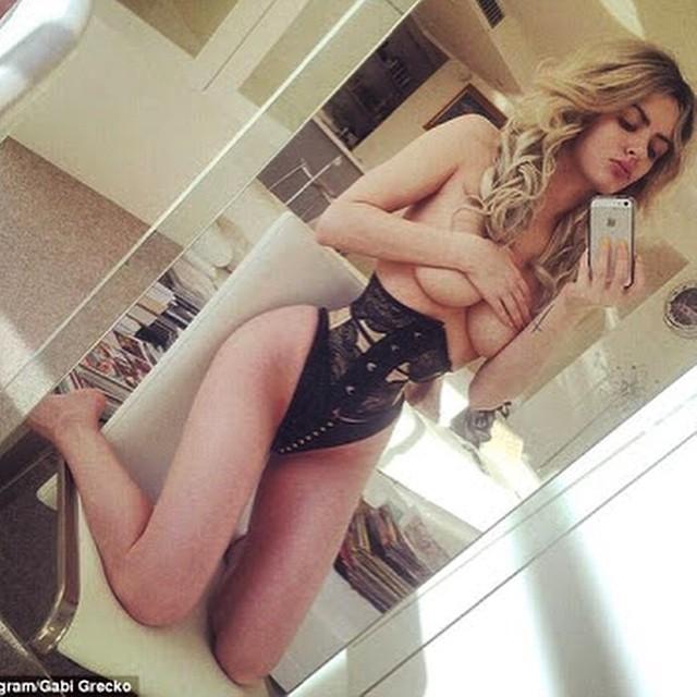 Gabi Grecko Sexy selfies 1