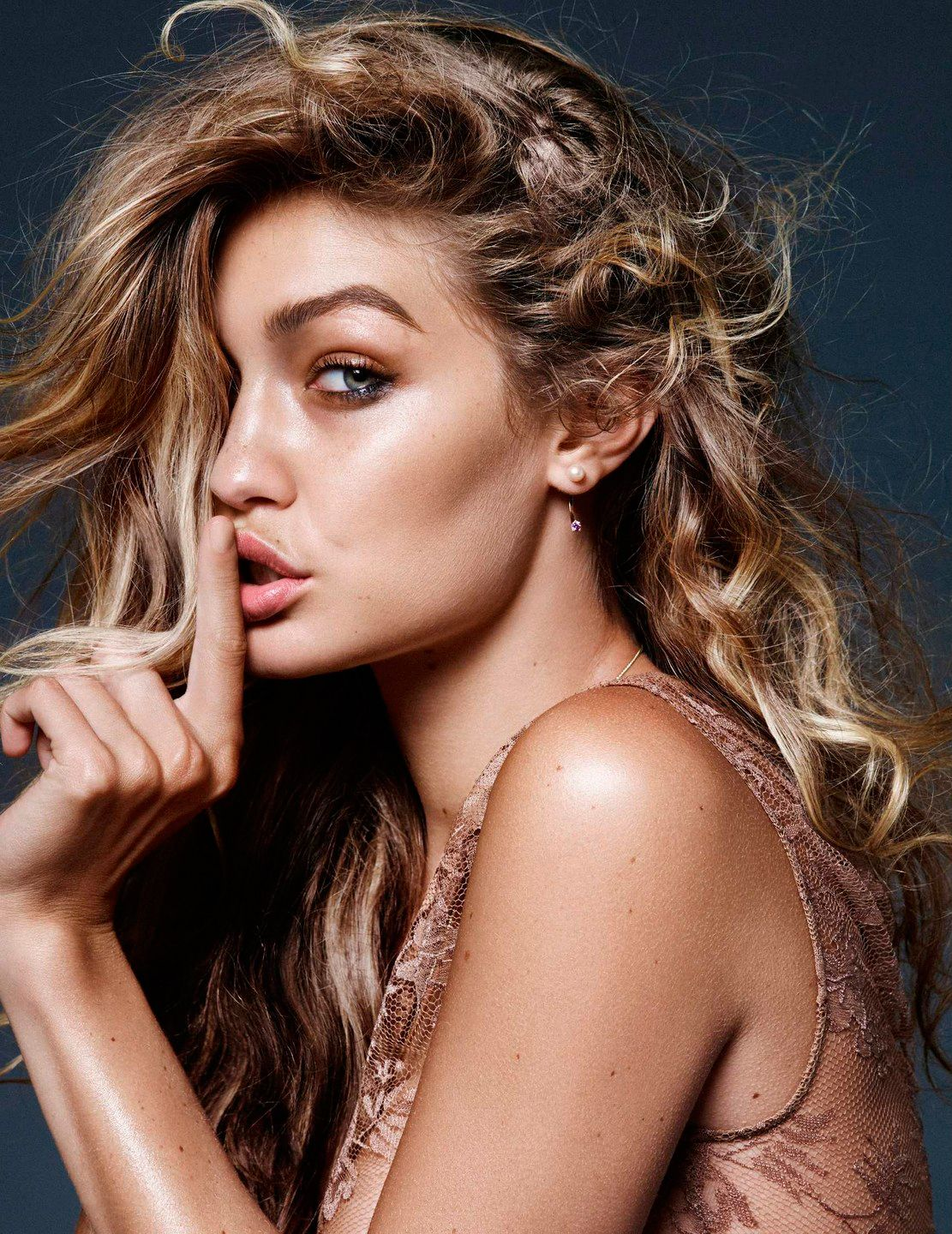 Gigi Hadid Sexy Photos