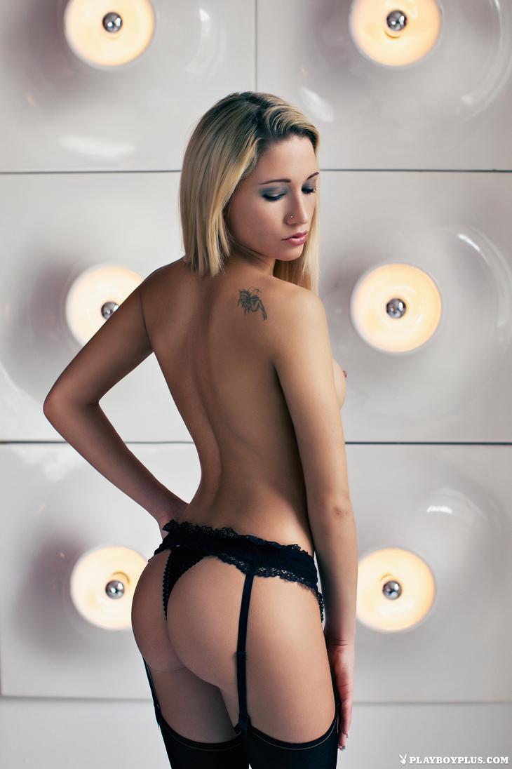 Giulia Borio Nude Photosh...