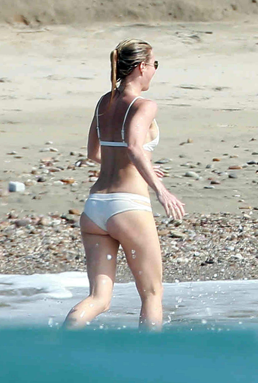 Gwyneth Paltrow Bikini Pi...