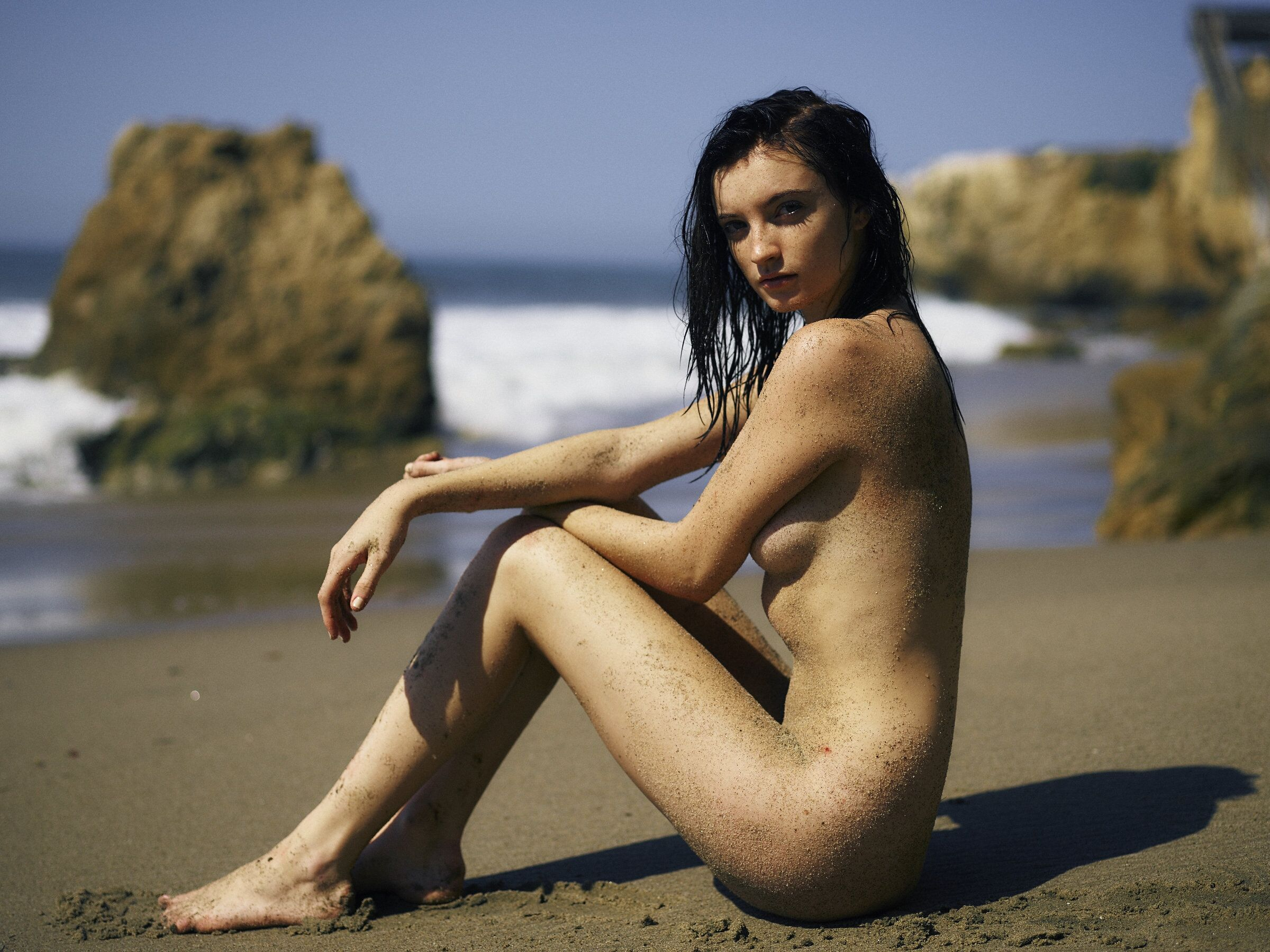 Nude Photos Of Hannah Mas...