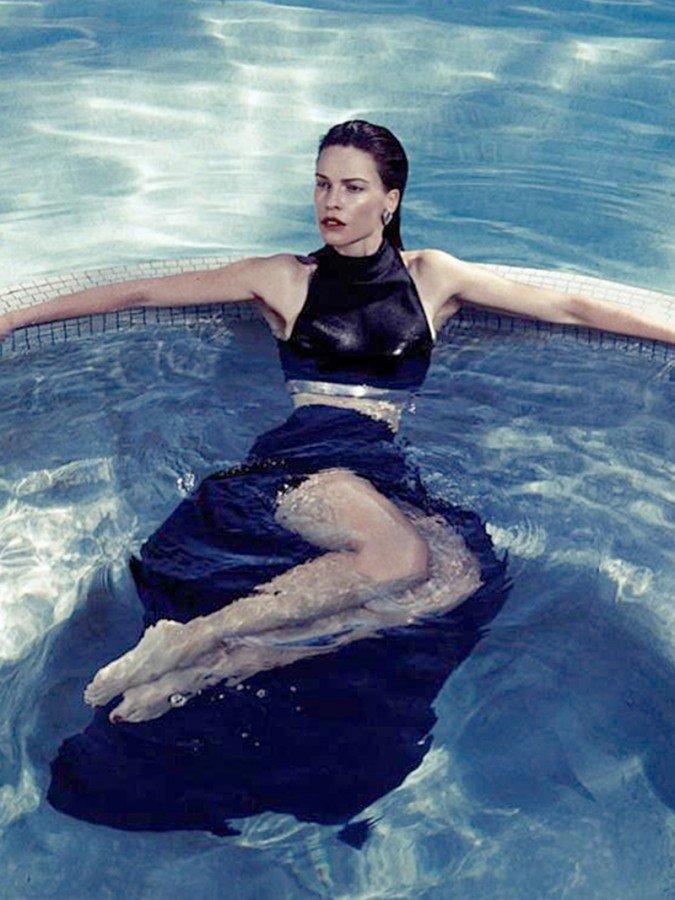 Hilary Swank Nude