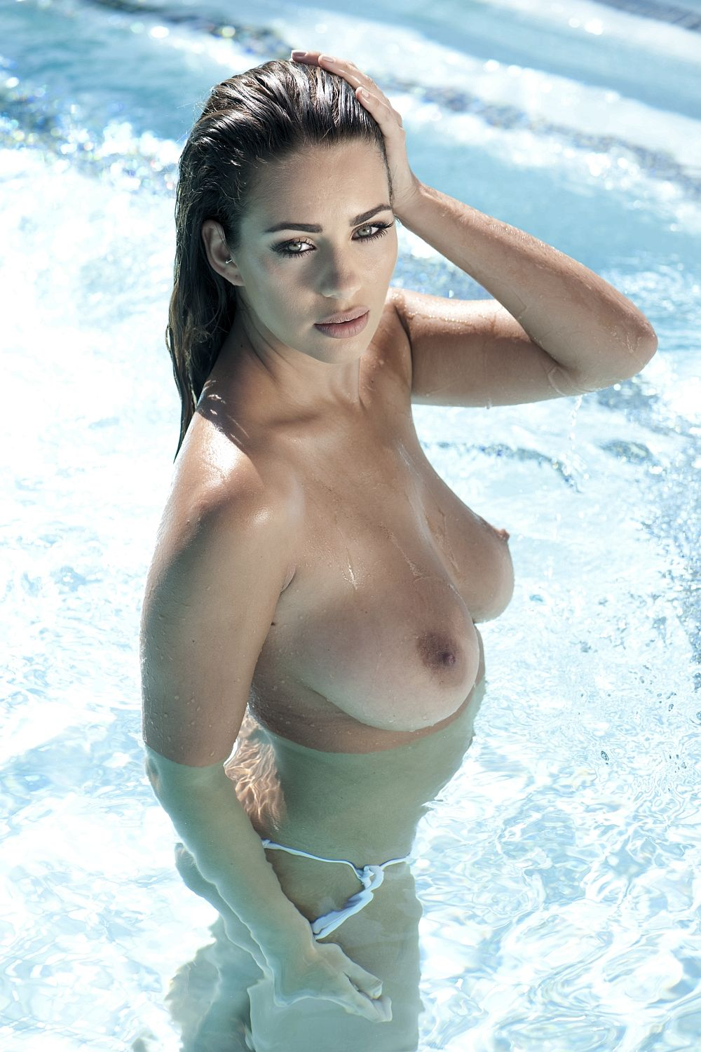 Holly-Peers-Topless-1