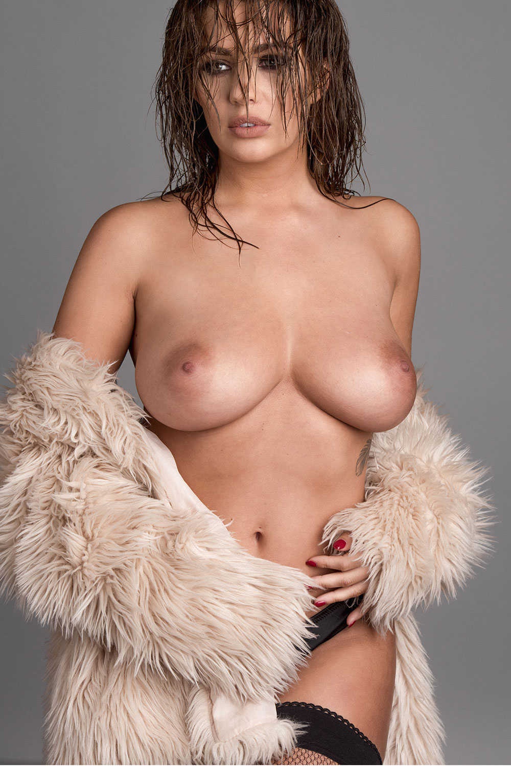 Boobs Pics Of Holly Peers