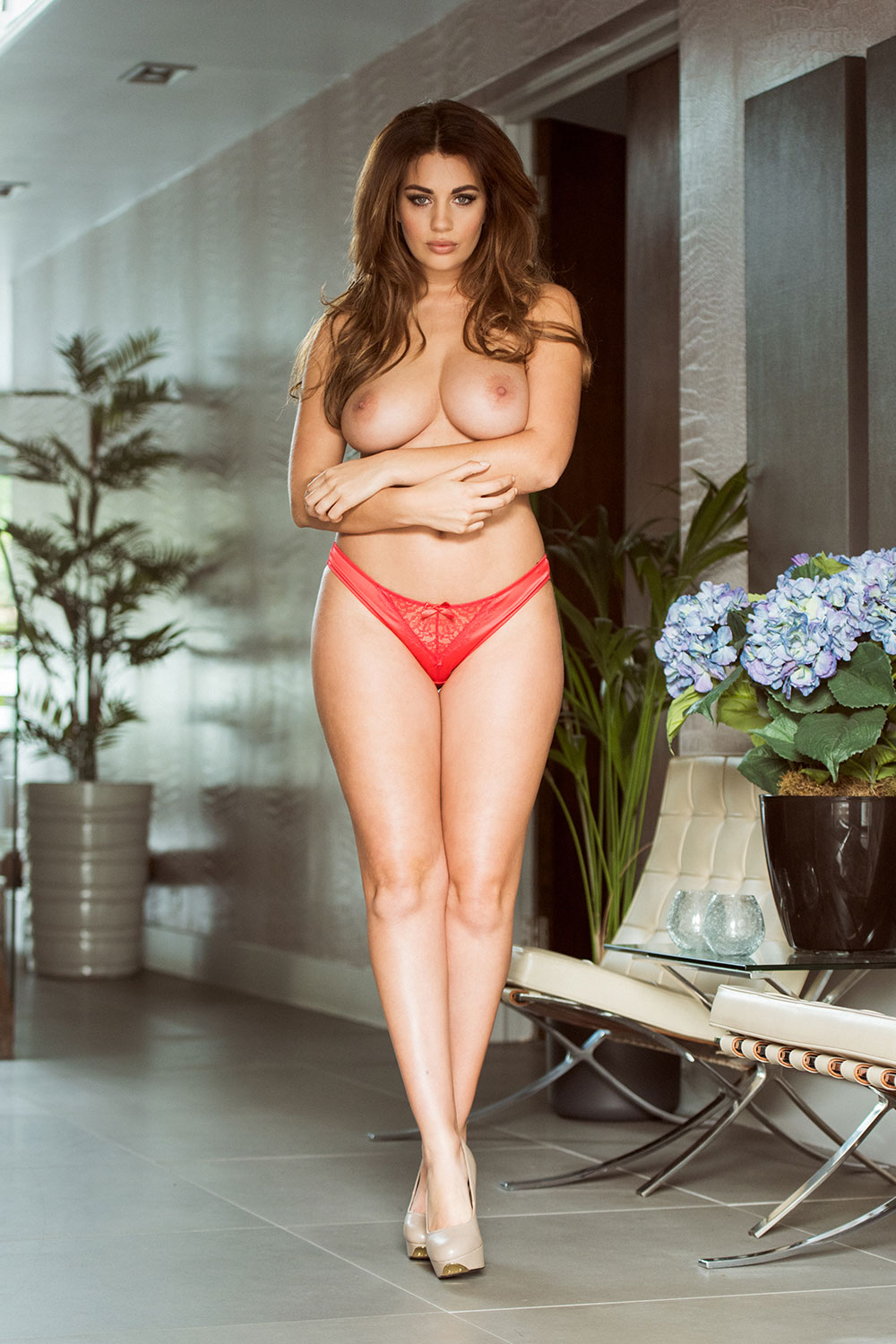 Holly-Peers-Topless-4