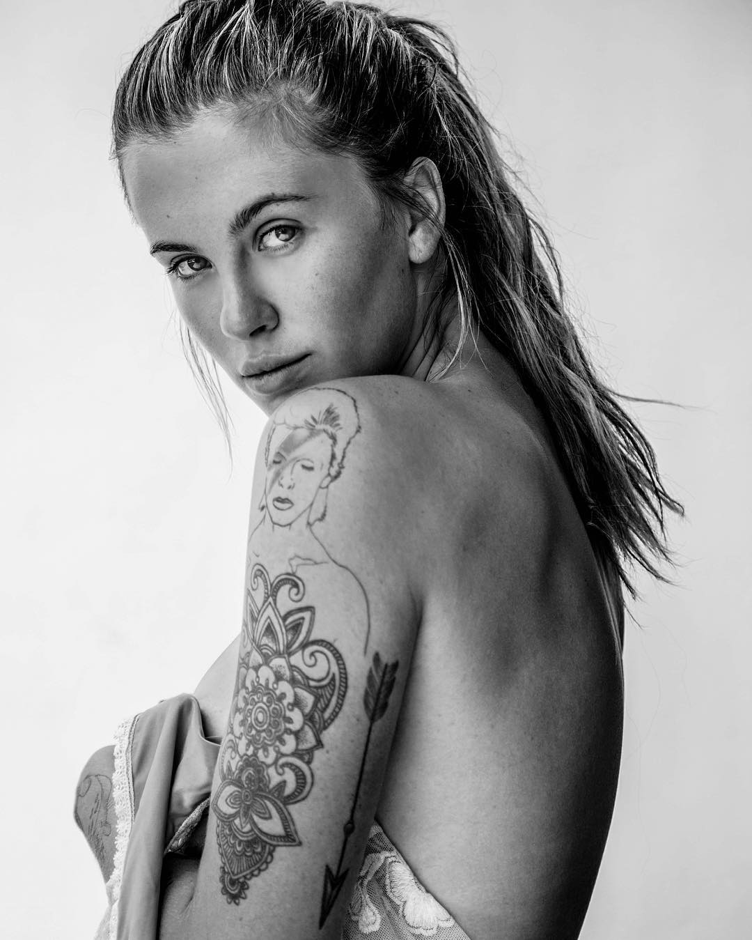 Ireland Baldwin Topless P...