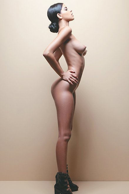 Naked Photoset Of Isabell...