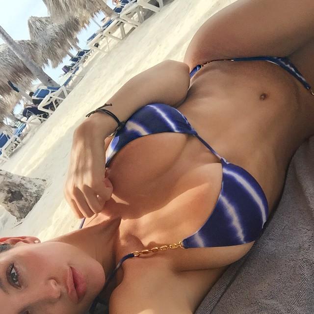 Jaclyn Swedberg Sexy Biki...