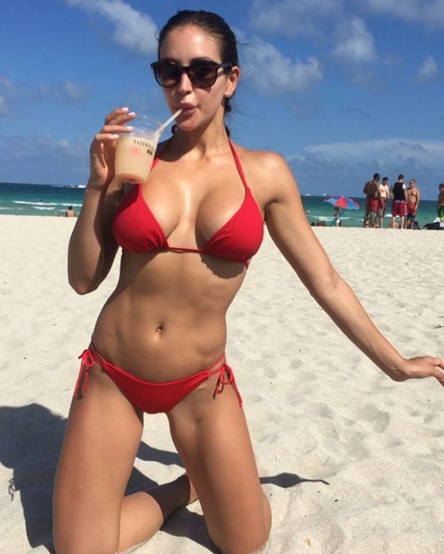 Jaclyn Swedberg Sexy Phot...