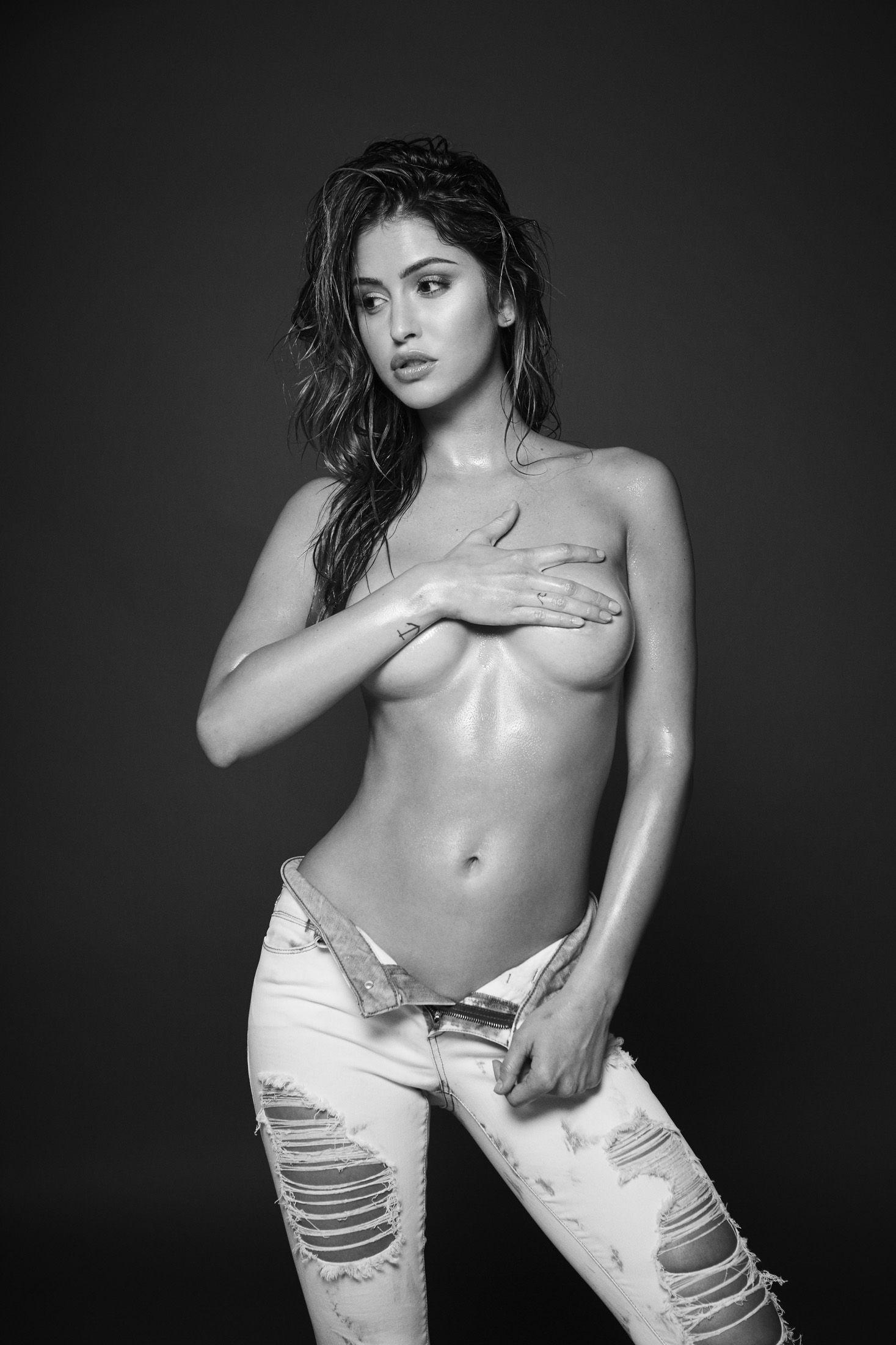 Jehane Paris Topless Phot...