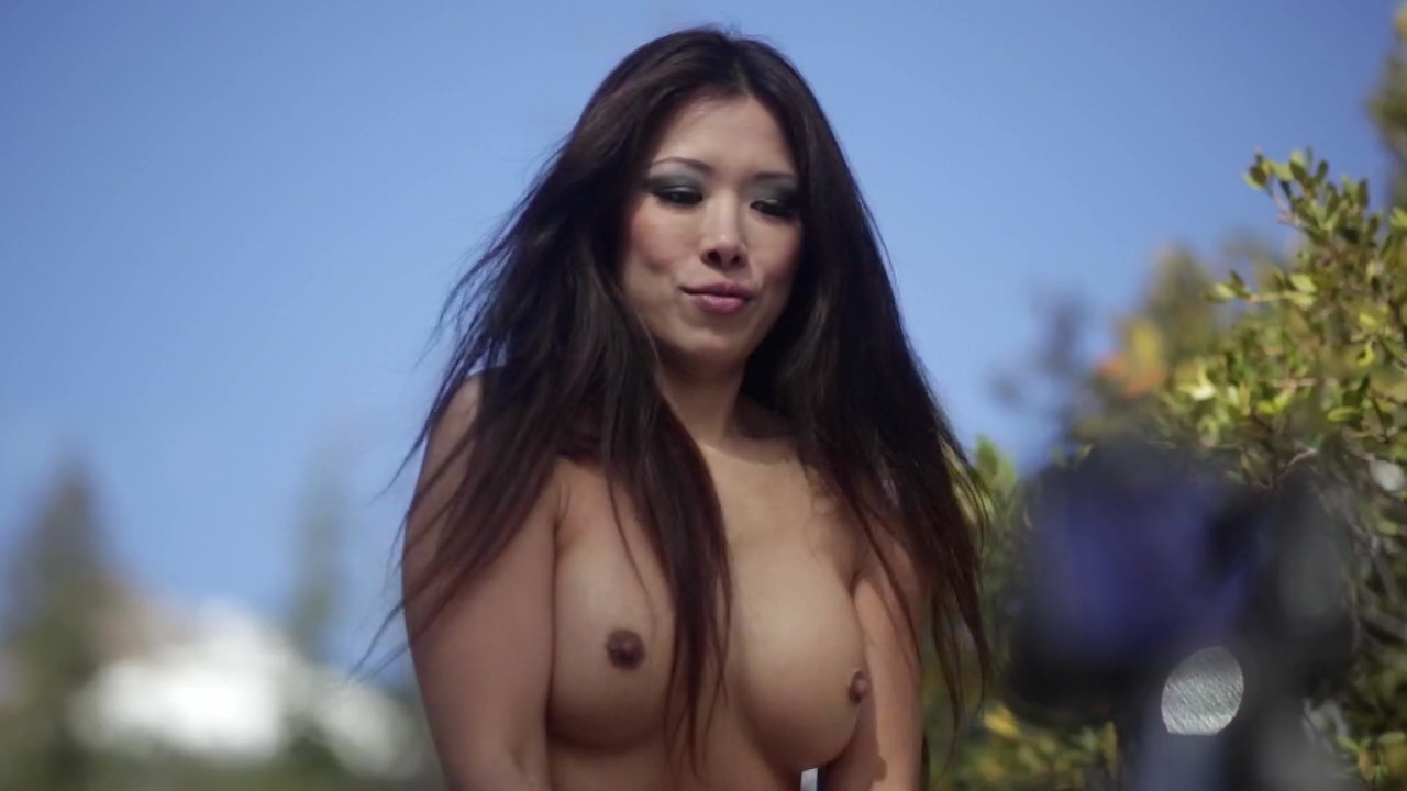 Jenny Lin Boobs