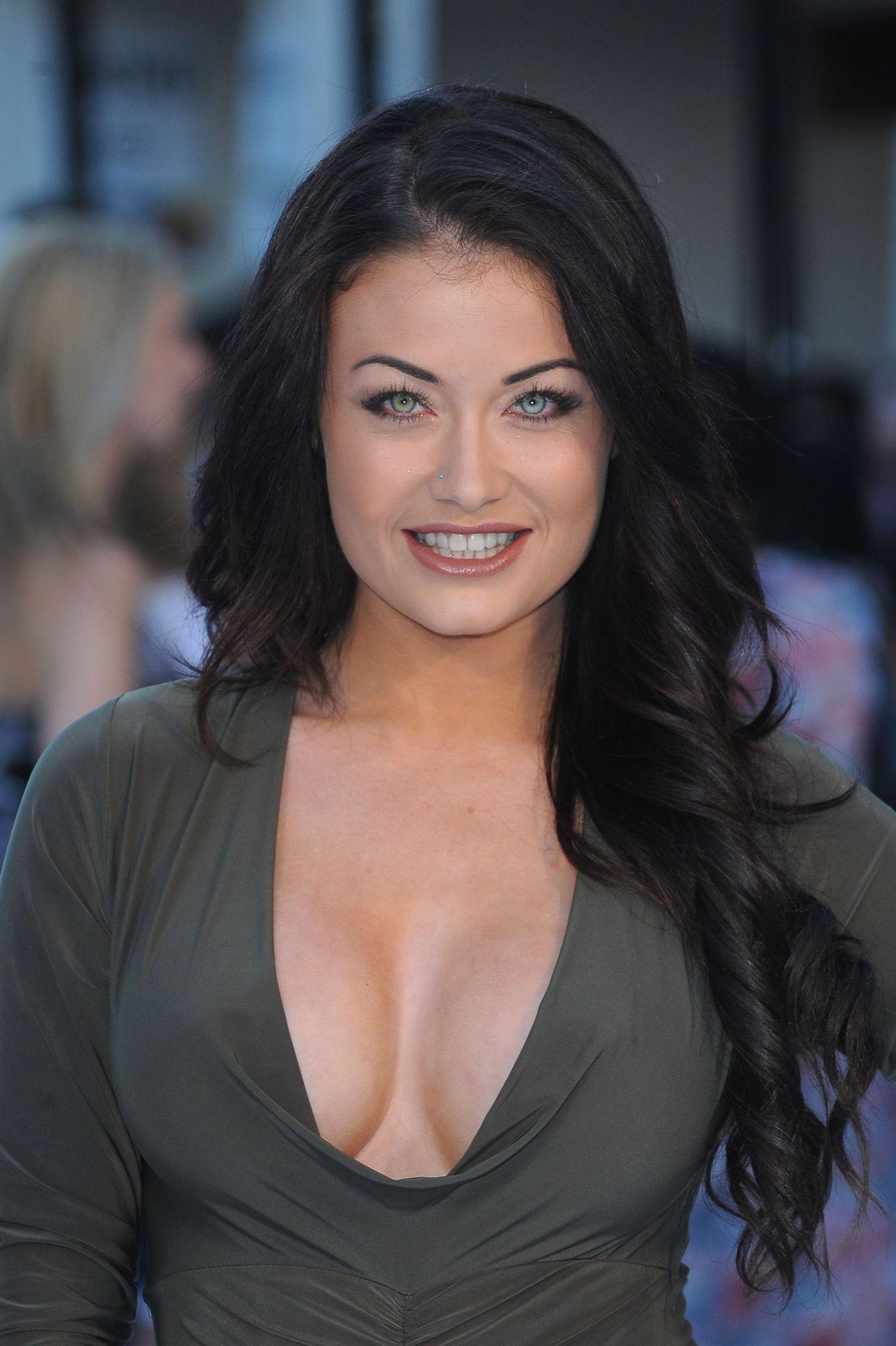 Jess Impiazzi Cleavage