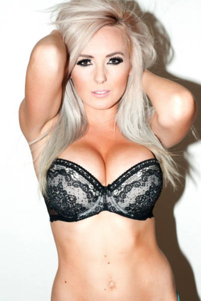Jessica Nigri Sexy Photos