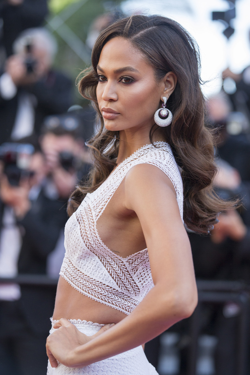 Joan Smalls Nipslip Pictu...