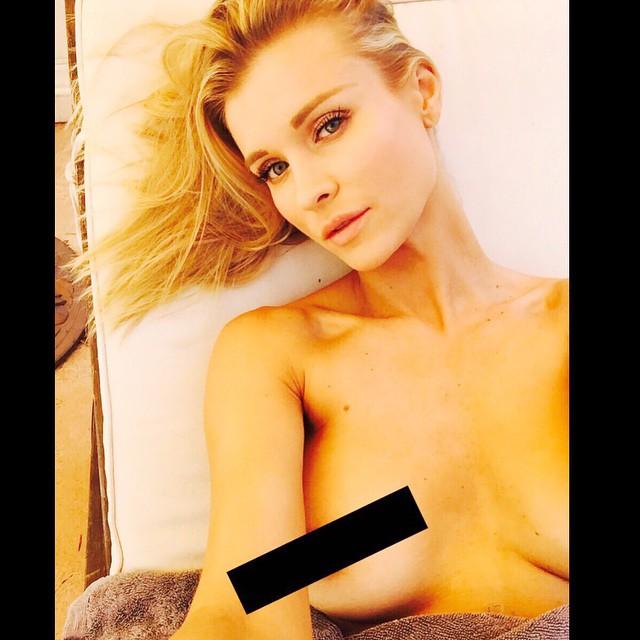 Joanna Krupa Topless Pics