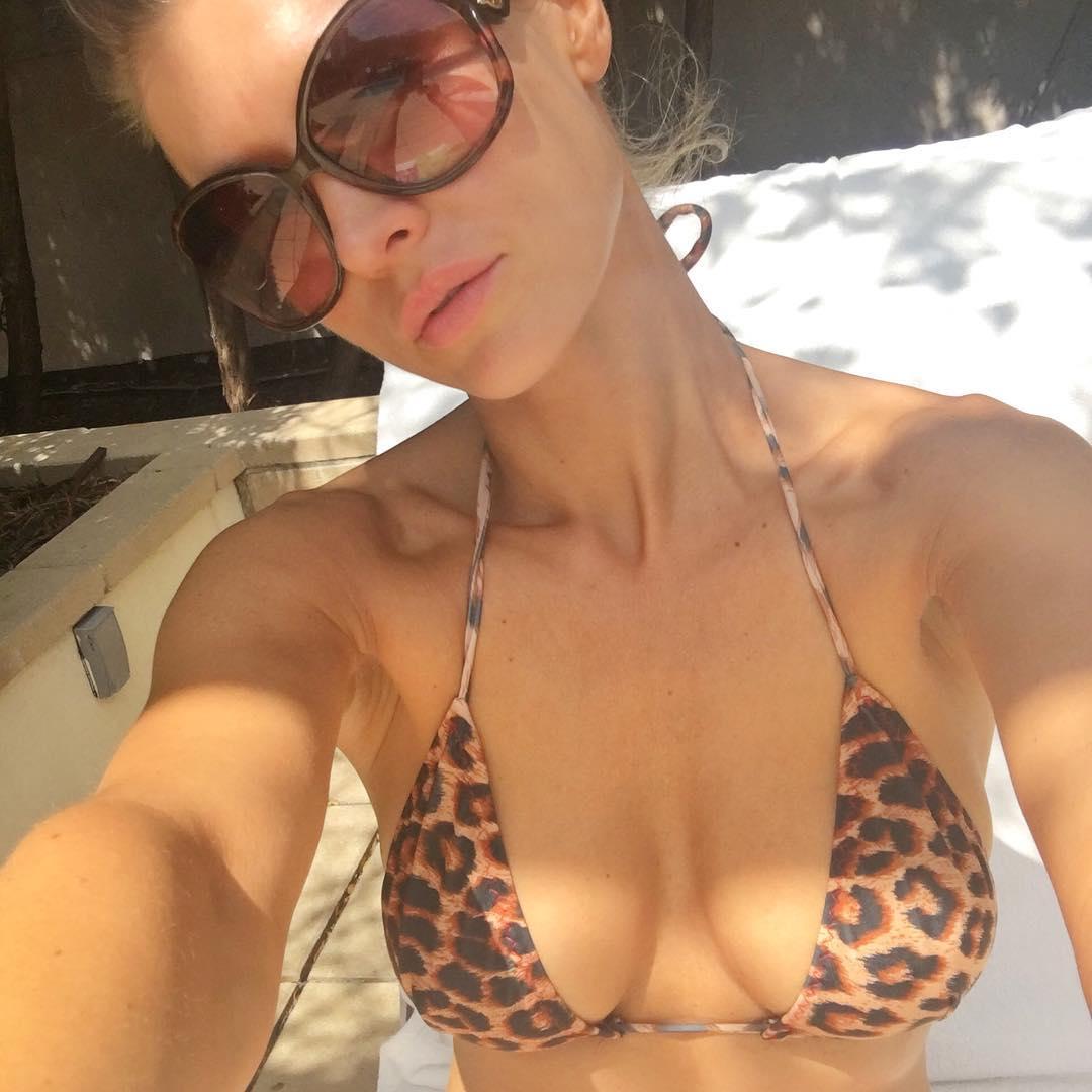 Joanna Krupa Hot Selfie