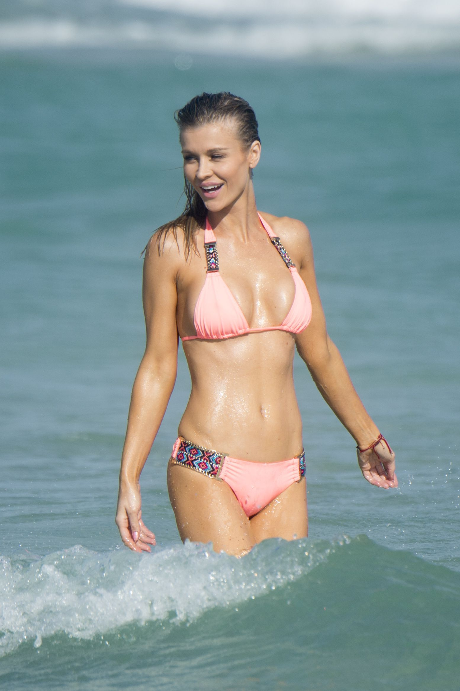 Joanna Krupa Sexy Photos