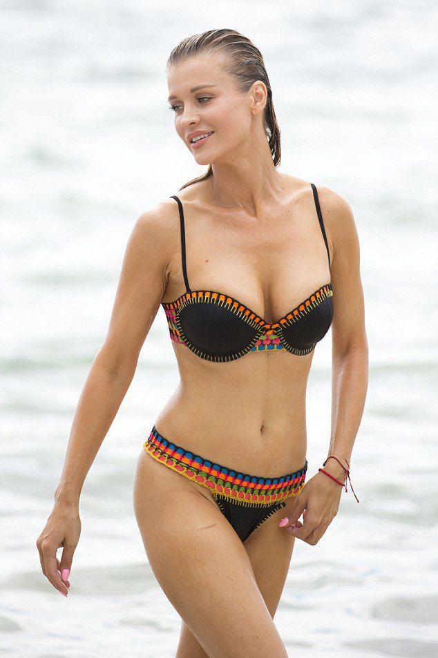 Joanna Krupa Bikini Pics