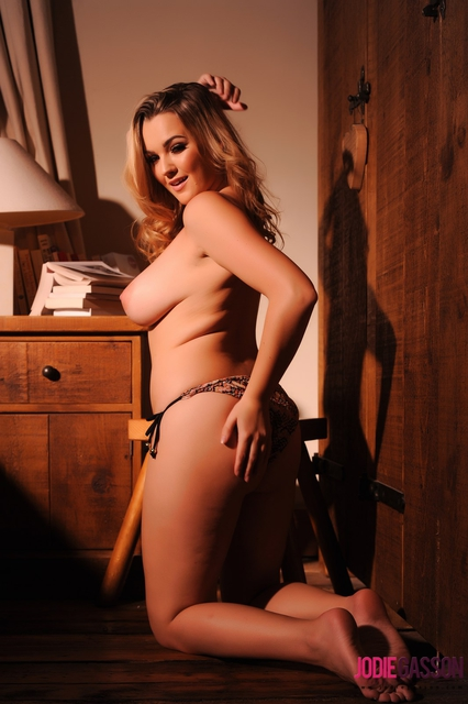 Jodie Gasson Strips in Bedroom (5)