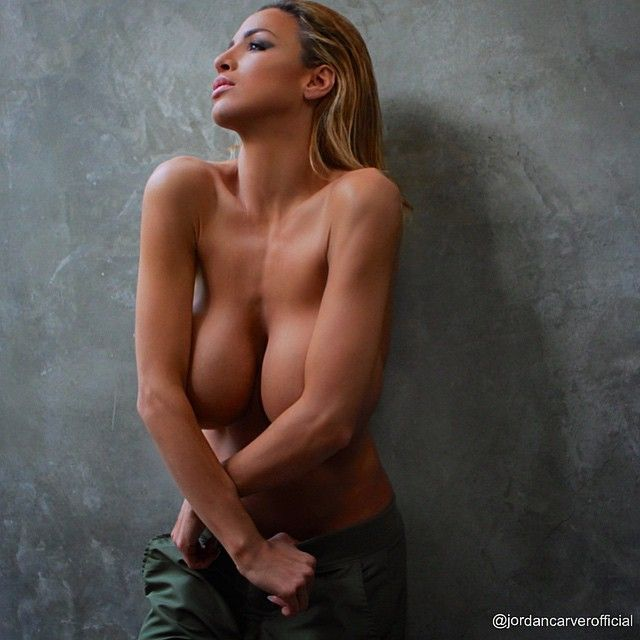 Jordan Carver Topless Pho...