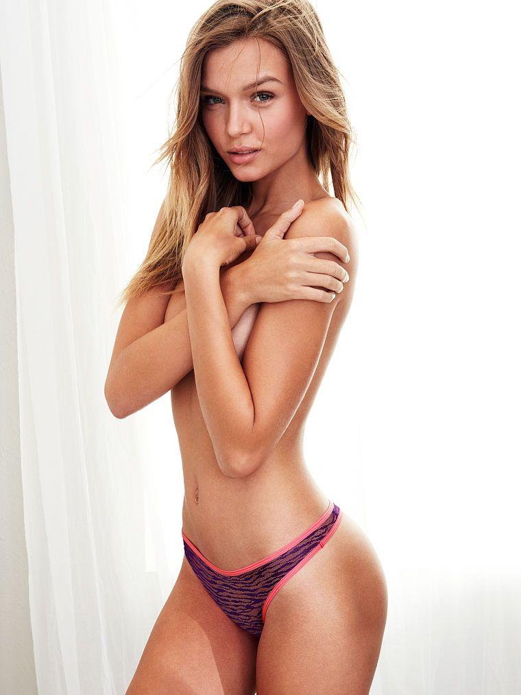 Josephine Skriver Sexy Ph...