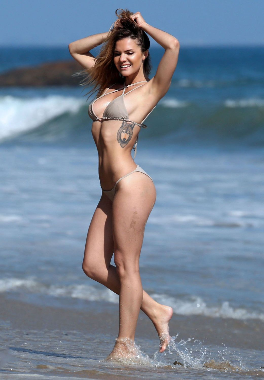 Kaili Thorne Sexy Bikini 1