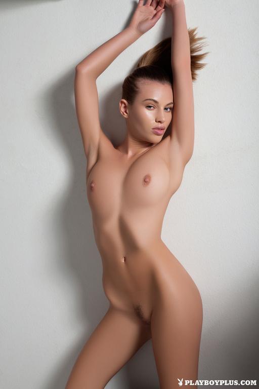 Katia Martin nude pics  (2)