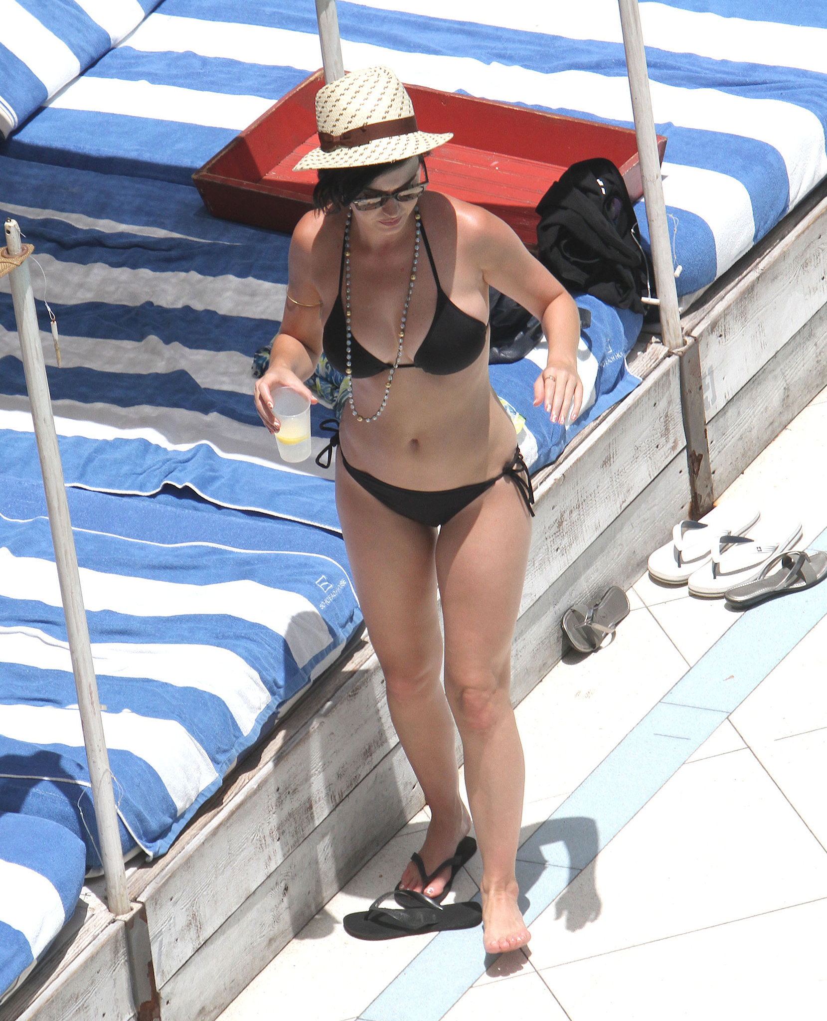 Katy-Perry-showed-off-her-bikini-body-Miami-July-2012