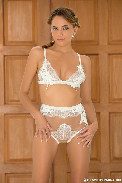 Katya Clove Nude Photoset